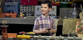 Bild zu:  Iain Armitage als kleiner Sheldon Cooper