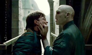 Harry Potter und die Heiligtümer des Todes 2 mit Ralph Fiennes und Daniel Radcliffe - Bild 8