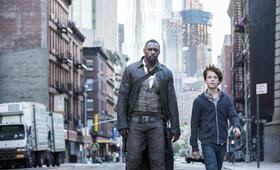 Der dunkle Turm mit Idris Elba und Tom Taylor - Bild 3