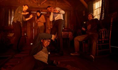 Escape Room mit Deborah Ann Woll, Taylor Russell, Logan Miller, Jay Ellis und Nik Dodani - Bild 1