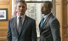 Chicago Justice, Chicago Justice Staffel 1 mit Carl Weathers und Philip Winchester - Bild 12