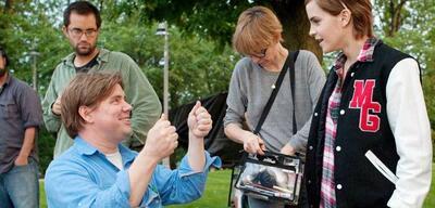 Stephen Chbosky mit Emma Watson am Set von Vielleicht lieber morgen