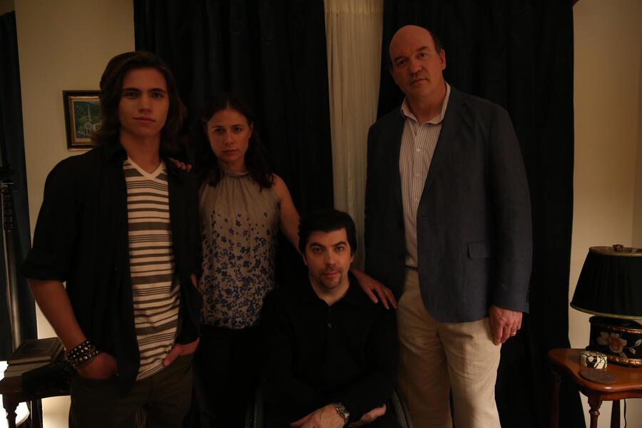 Anything mit John Carroll Lynch, Maura Tierney, Tanner Buchanan und Christopher Thornton