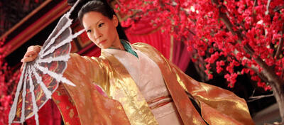 Lucy Liu tritt Ärsche in The Man with the Iron Fists