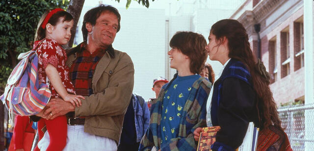 Robin Williams, Lisa Jakub u.a. in Mrs. Doubtfire