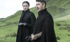 Game of Thrones - Staffel 5 mit Sophie Turner und Aidan Gillen - Bild 1