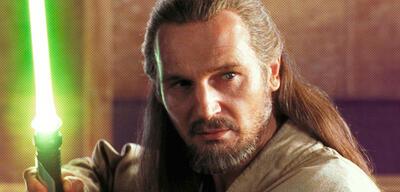 Liam Neeson als Qui-Gon Jinn