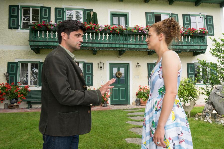 Tonio & Julia: Zwei sind noch kein Paar mit Maximilian Grill und Oona-Devi Liebich