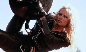 Barb Wire mit Pamela Anderson - Bild 8