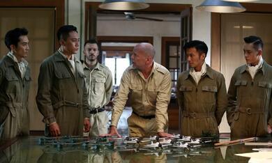 Air Strike mit Bruce Willis, Nicholas Tse, Ye Liu und Seung-heon Song - Bild 10