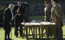 Churchill mit Brian Cox und Richard Durden - Bild 5