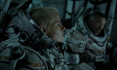 Underwater mit Vincent Cassel und Kristen Stewart - Bild 11