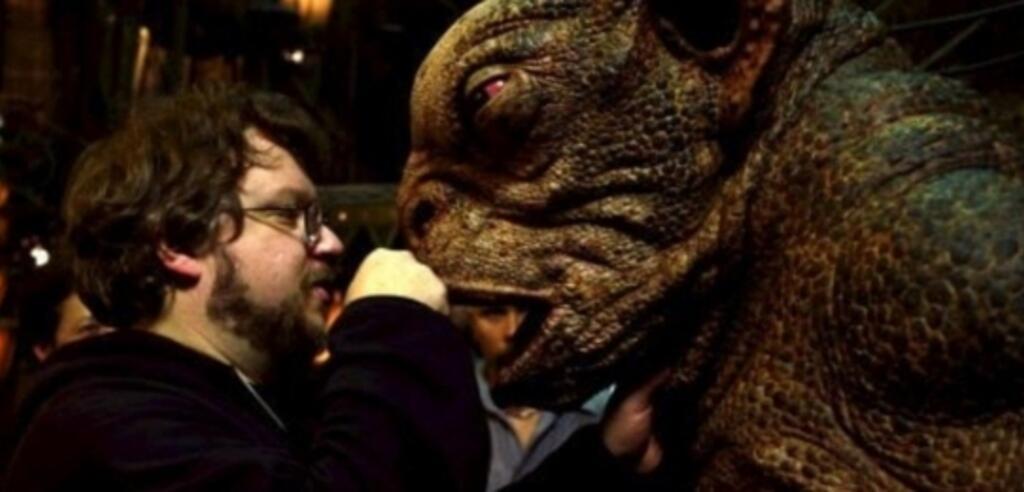 Guillermo del Toro bei den Dreharbeiten zu Hollboy II