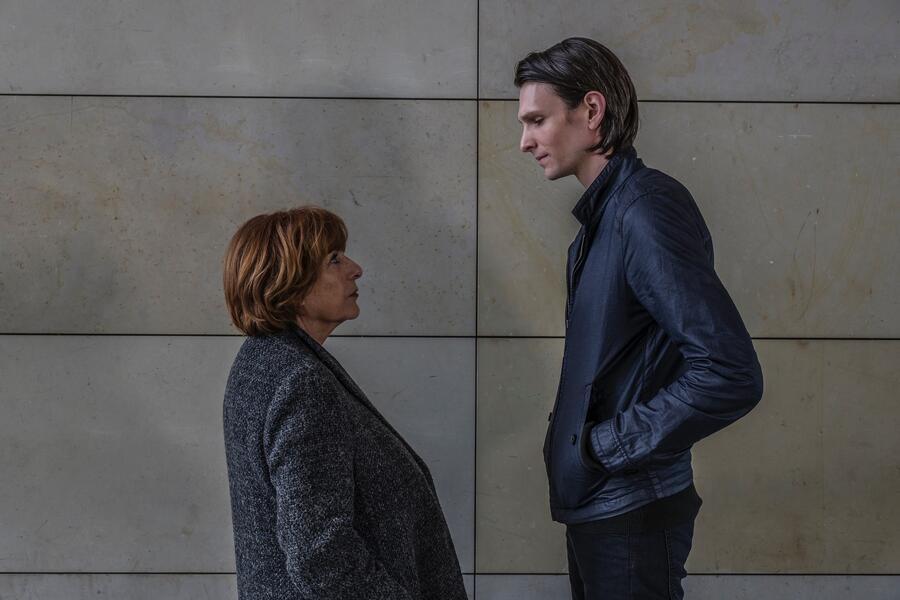 Bella Block: Am Abgrund mit Hannelore Hoger und Sabin Tambrea