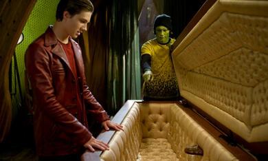 Mitternachtszirkus - Willkommen in der Welt der Vampire mit Patrick Fugit und Chris Massoglia - Bild 12