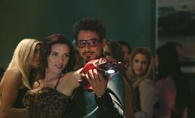 Iron Man 2 mit Robert Downey Jr. und Scarlett Johansson - Bild 13
