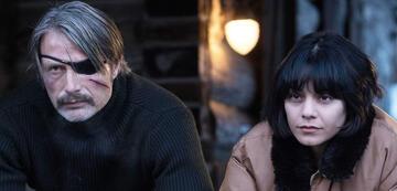 Polare Stimmung zwischen Mads Mikkelsen und  Vanessa Hudgens