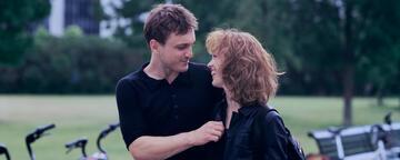 Franz Rogowski und Paula Beer in Undine