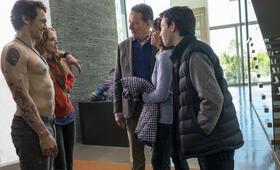 Why Him? mit Bryan Cranston, James Franco, Zoey Deutch, Megan Mullally und Griffin Gluck - Bild 56