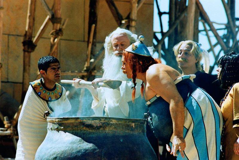 Asterix & Obelix: Mission Kleopatra mit Gérard Depardieu, Christian Clavier, Jamel Debbouze und Claude Rich
