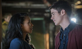 The Flash Staffel 3 mit Grant Gustin - Bild 13