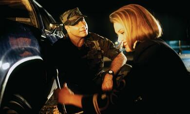 Wehrlos - Die Tochter des Generals mit John Travolta - Bild 7