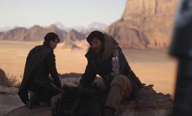 Rogue One: A Star Wars Story mit Felicity Jones und Diego Luna - Bild 9