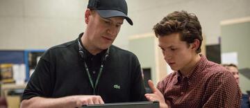 Kevin Feige mit Spider-Man-Darsteller Tom Holland
