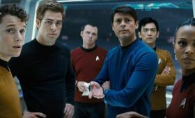Star Trek mit Simon Pegg, Zoe Saldana, Chris Pine, Karl Urban, Anton Yelchin und John Cho - Bild 58
