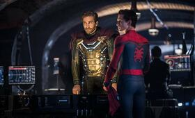 Spider-Man: Far From Home mit Jake Gyllenhaal und Tom Holland - Bild 8