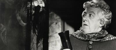 Margaret Rutherford als Miss Marple