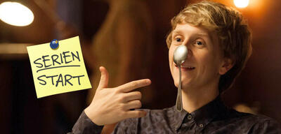 Please Like Me, Staffel 4: Josh Thomas