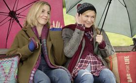 Bridget Jones' Baby mit Renée Zellweger und Sally Phillips - Bild 1