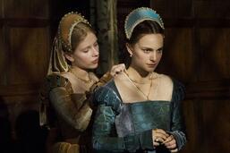 Bild zu:  Scarlett Johannson und Natalie Portman in Die Schwester der Königin