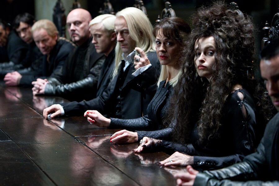 Harry Potter und die Heiligtümer des Todes 1 mit Helena Bonham Carter, Tom Felton, Jason Isaacs und Helen McCrory