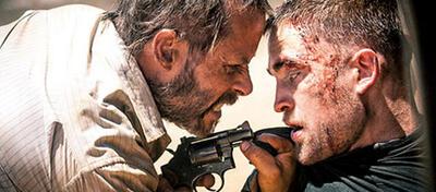 Robert Pattinson und Guy Pearce in The Rover