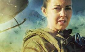 Eine Frau an der Front, Staffel 1 mit Lacey Turner - Bild 3