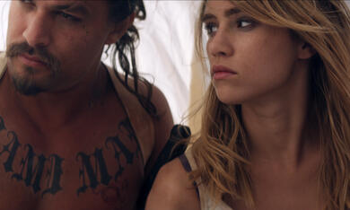 The Bad Batch mit Jason Momoa und Suki Waterhouse - Bild 2