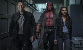 Hellboy mit Daniel Dae Kim, David Harbour und Sasha Lane - Bild 8