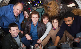 Han Solo Star Wars Anthology Film mit Woody Harrelson, Emilia Clarke, Donald Glover, Alden Ehrenreich, Christopher Miller, Phil Lord, Joonas Suotamo und Phoebe Waller-Bridge - Bild 25