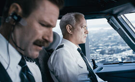 Sully mit Tom Hanks und Aaron Eckhart - Bild 70