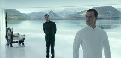 v. l. Guy Pearce, Michael Fassbender