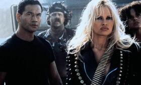 Barb Wire mit Pamela Anderson - Bild 9
