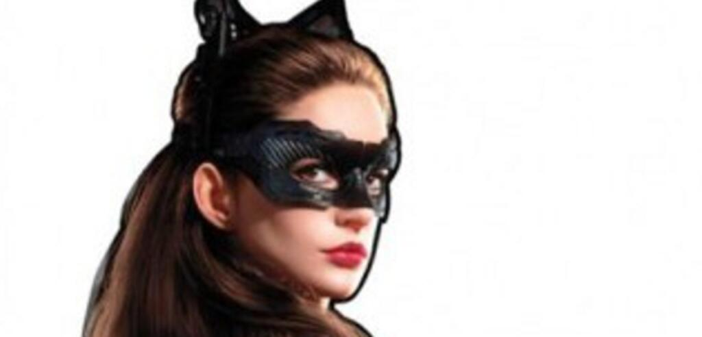 Formt sich bei diesem Outfit eine Batbeule in Batmans Kostüm?
