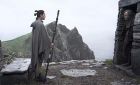 Star Wars: Episode VIII - Die letzten Jedi mit Daisy Ridley und Mark Hamill - Bild 5