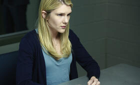 The Whispers mit Lily Rabe - Bild 14