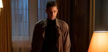 Oliver Jackson-Cohen als Peter Quint