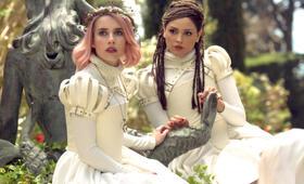 Paradise Hills mit Emma Roberts und Eiza González - Bild 11