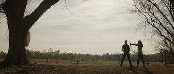 Clint Barton unterrichtet seine Tochter in Avengers: Endgame
