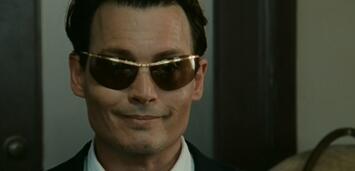 Bild zu:  Auch kurz vor einem Flugzeugabsturz verliert Johnny Depp nicht seinen Humor